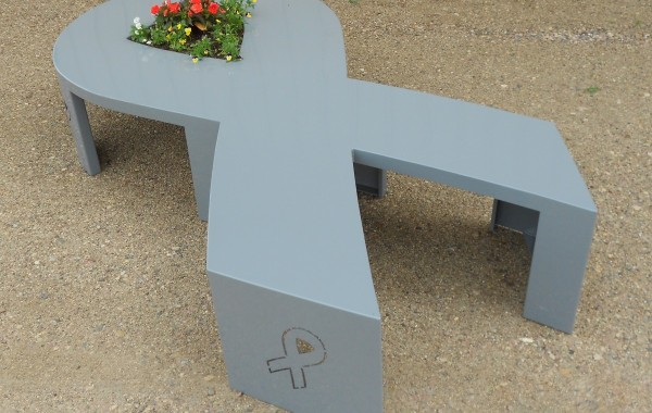 The Ribbon Planter Bench