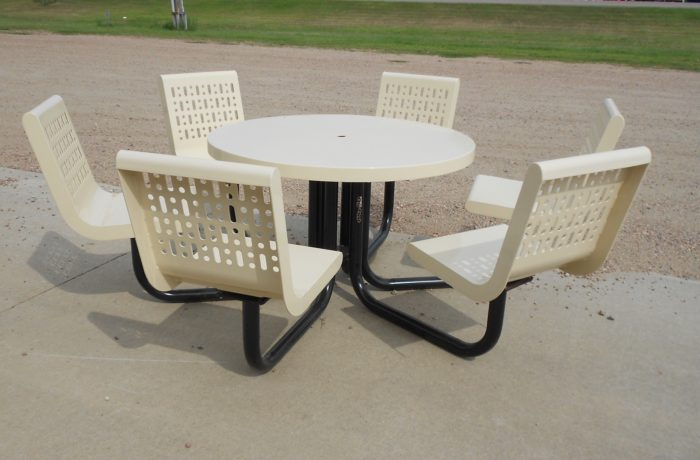 Round Table w/ 6 Swivel Seats